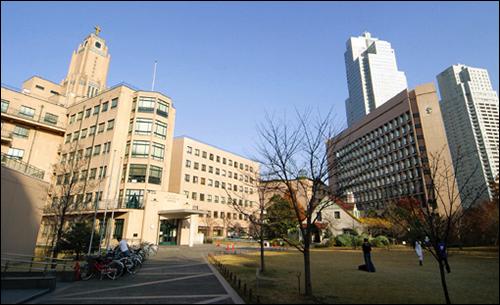 Tokyo Hospital Tracks Equipment via RFID-Enabled Shelving